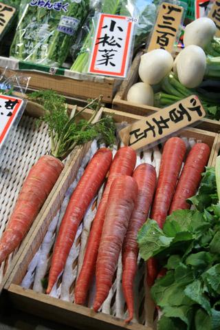 京都錦市場の八百屋さん